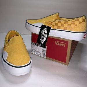 NWB Vans Slip-On Pro Hairy Suede Banana Sneakers